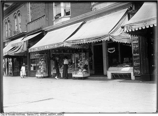 Queen West, ©Toronto History/Flickr
