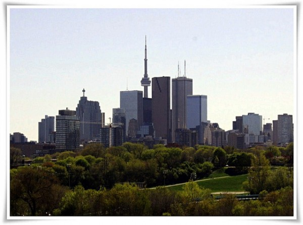 Donwtown Across Riverdale Park East, ©drysdaleandco/Flickr